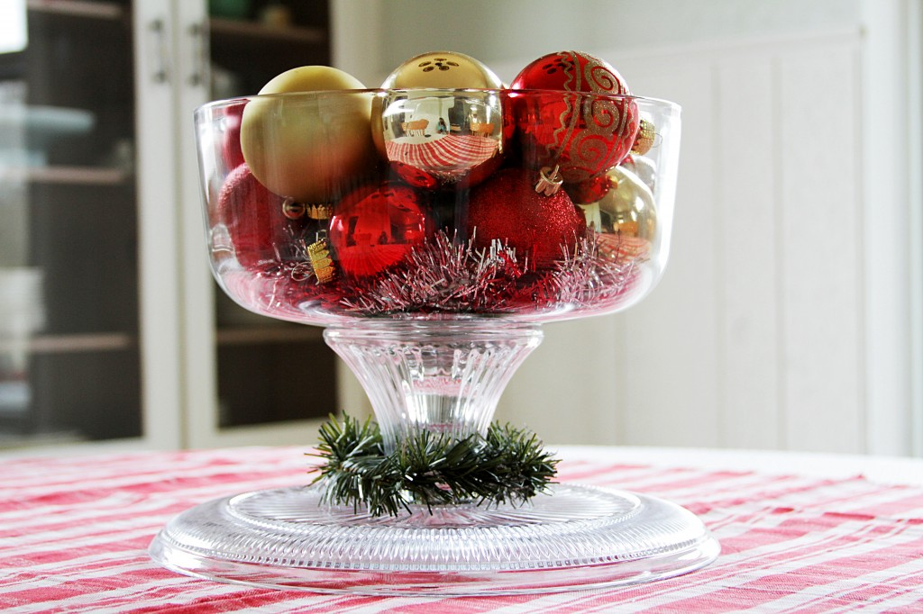 Christmas Table Centerpiece Using Cake Stand With Dome