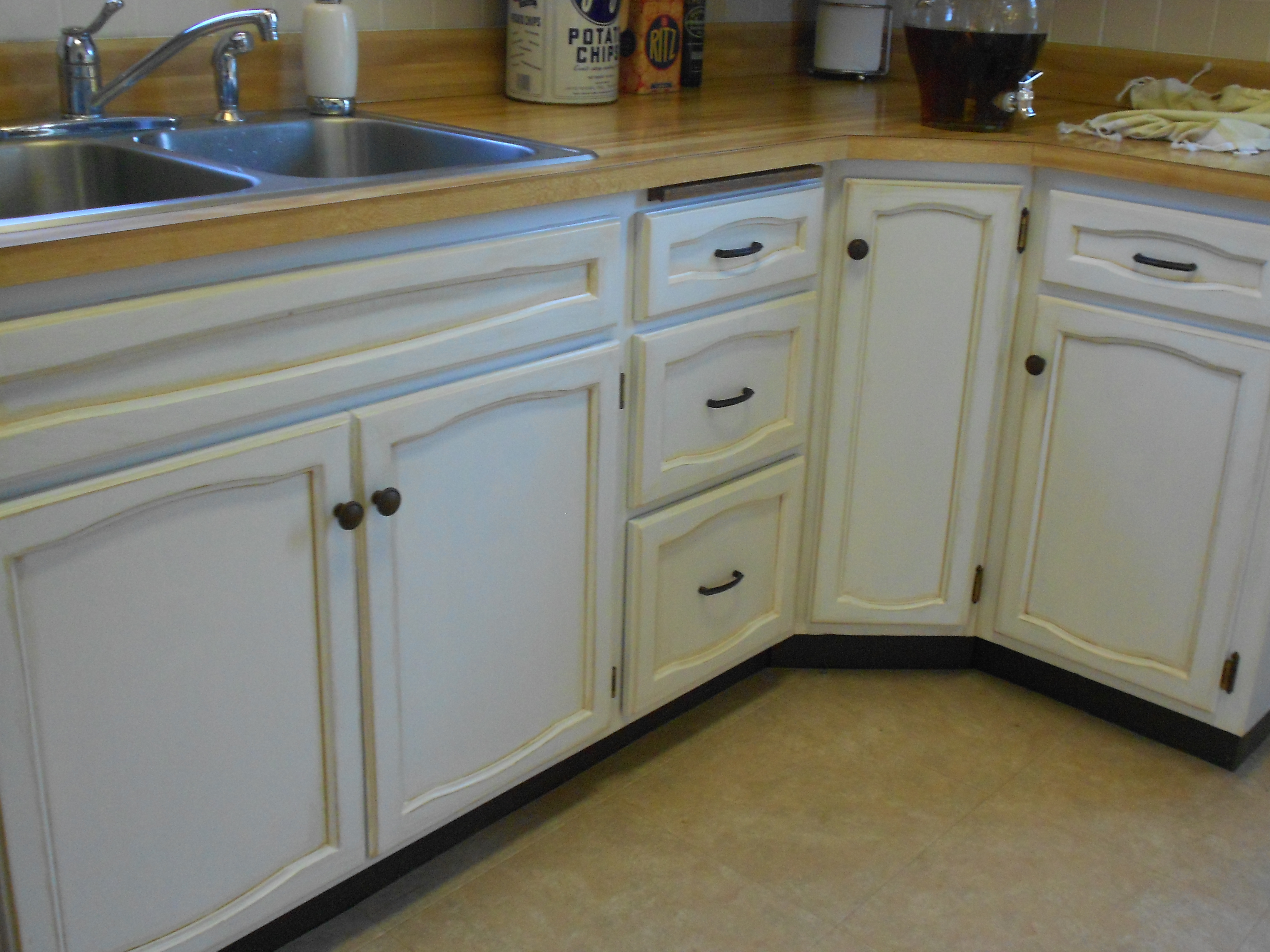 Rustoleum cabinet transformations seaside - Rustoleum Cabinet Transformations Pure White